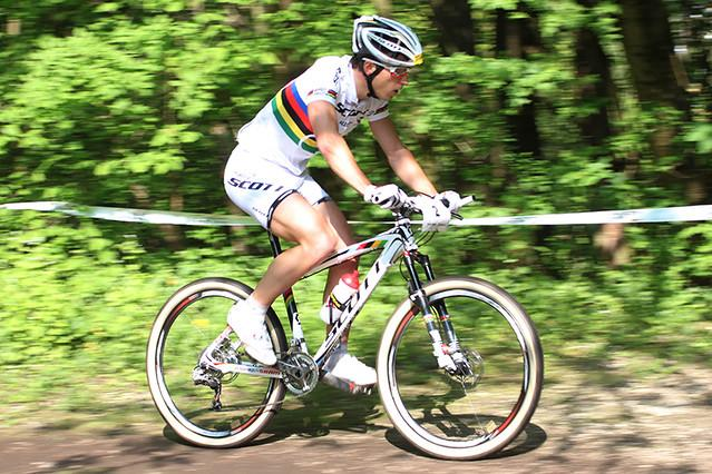 Nino Schurter (licensed CC BY ND 2.0 on Flickr by Kuster & Wildhaber Photography)
