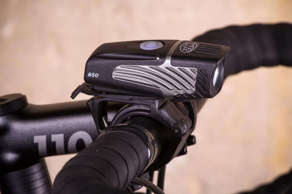 NiteRider Lumina Micro 850 - side.jpg
