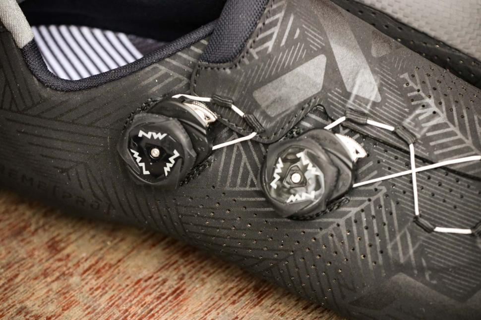 Northwave Extreme Pro shoes - dials.jpg