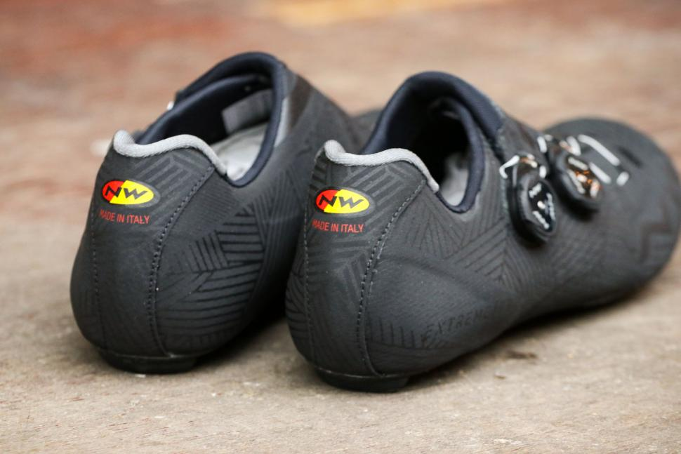 Northwave Extreme Pro shoes - heels.jpg