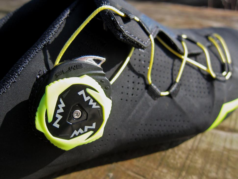 Northwave Extreme RR Shoe - Dial 2.jpg