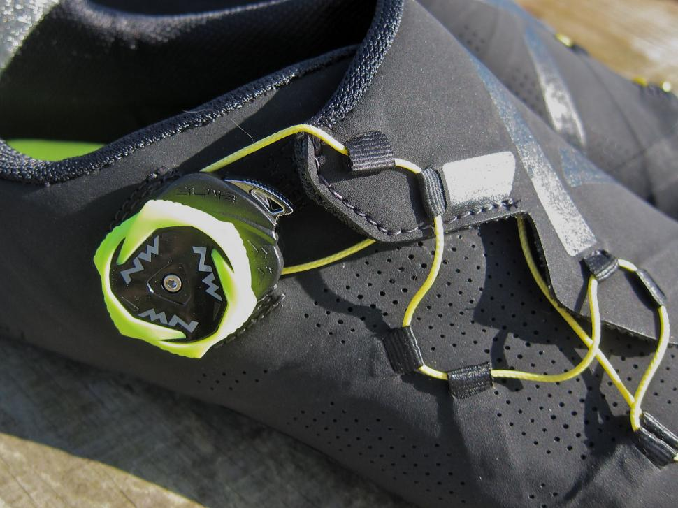 Northwave Extreme RR Shoe - Dial.jpg