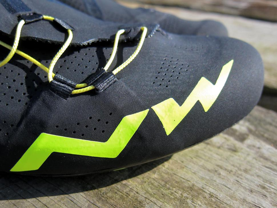 Northwave Extreme RR Shoe - Toe Graphics.jpg
