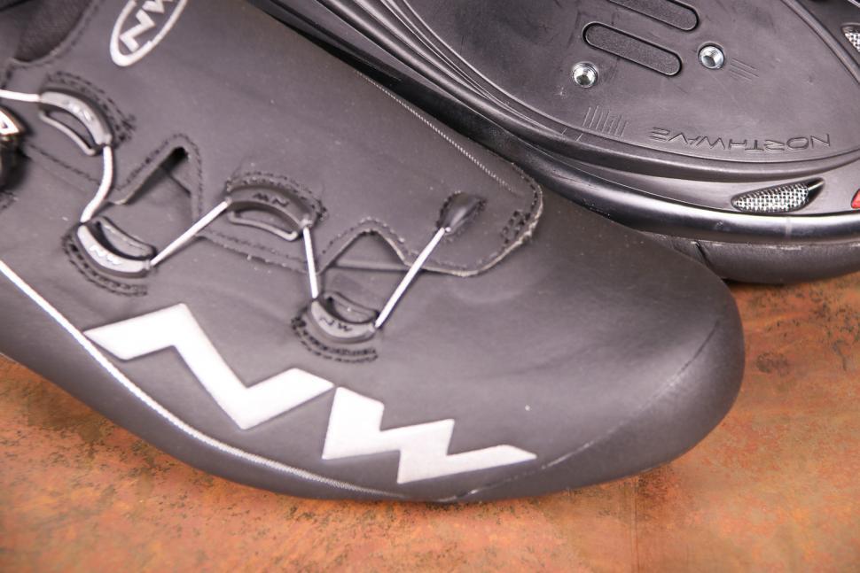 Northwave Flash TH Black - toe.jpg