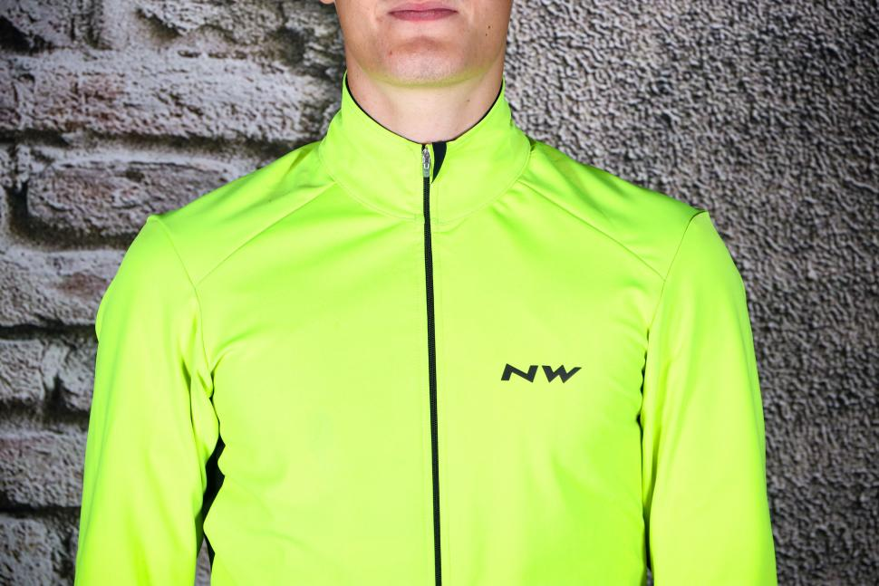 Northwave Ghost H2O Water Repellent Jacket - chest.jpg