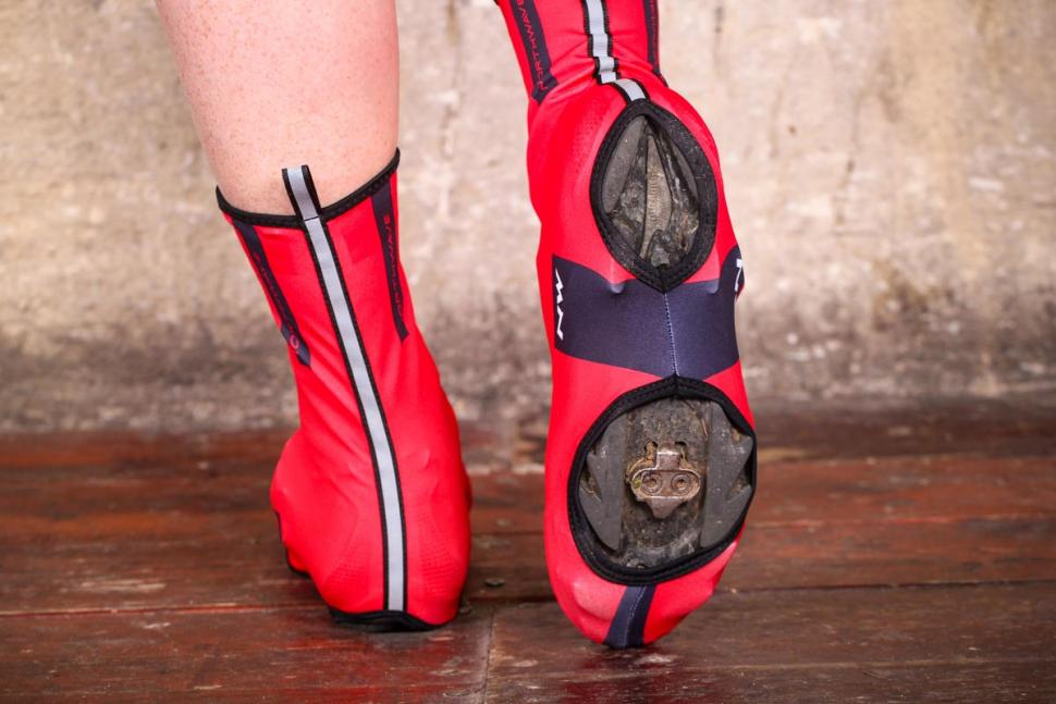 Northwave SS17 Extreme Graphic Shoecover - underside.jpg