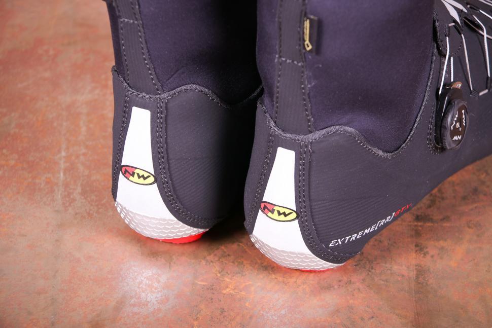 Northwave Winter Boots Extreme RR Winter GTX - heels.jpg