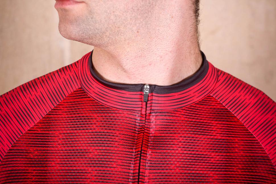 northwave_blade_air_jersey_short_sleeves_-_collar.jpg