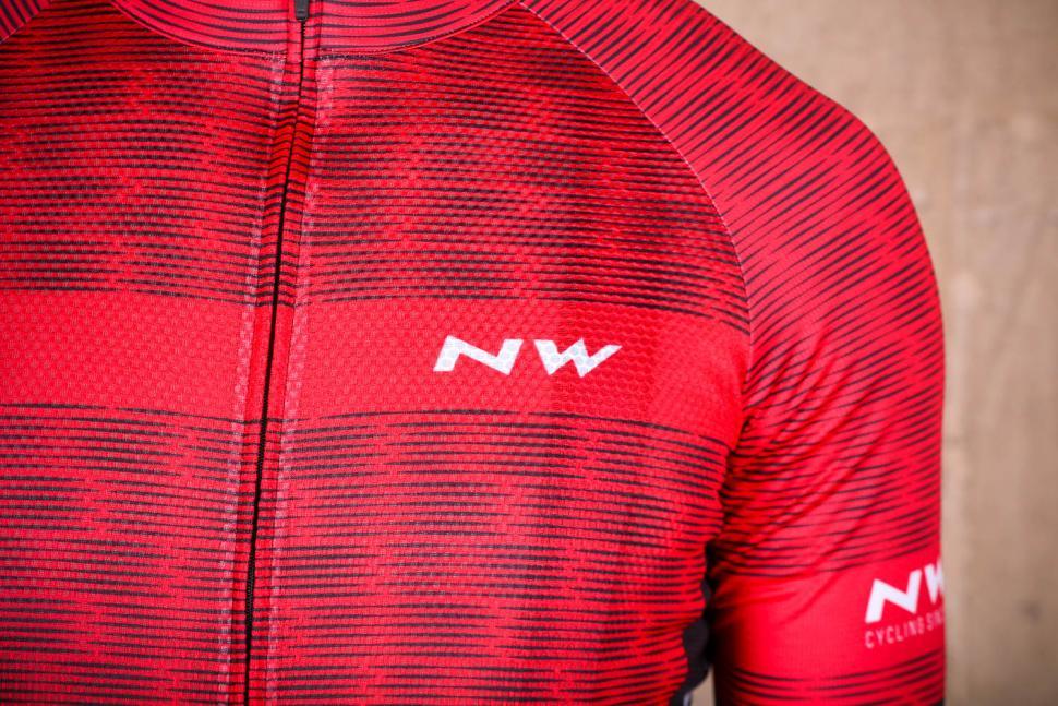 northwave_blade_air_jersey_short_sleeves_-_logo.jpg