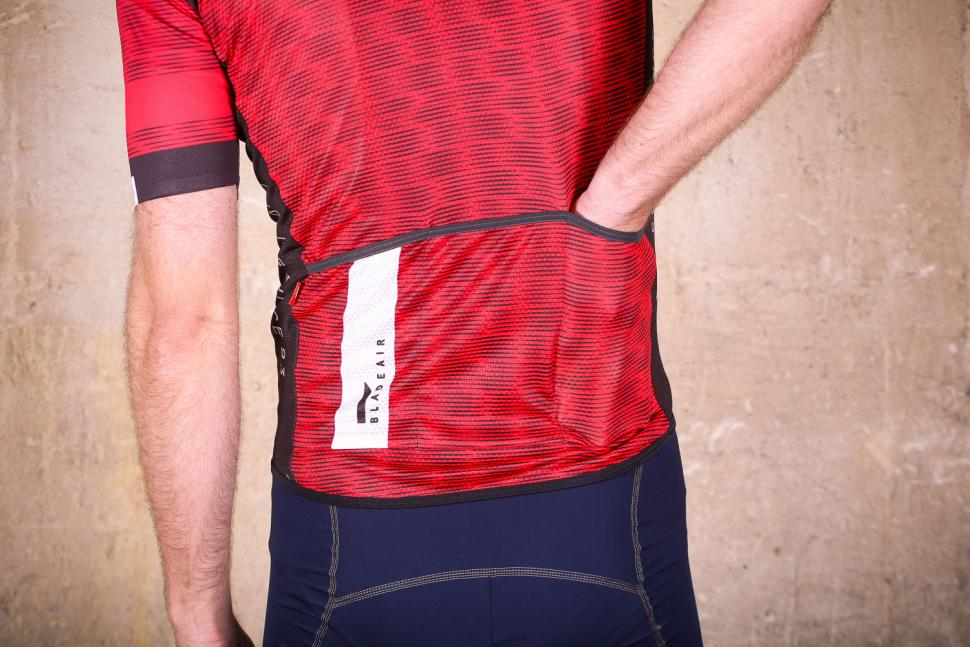 northwave_blade_air_jersey_short_sleeves_-_pockets.jpg