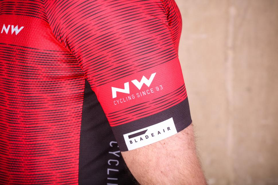 northwave_blade_air_jersey_short_sleeves_-_sleeve.jpg