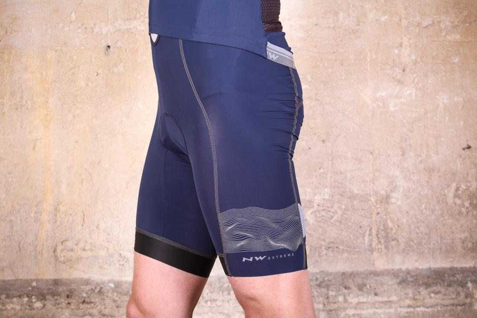 northwave_ss18_extreme_3_bibshorts_-_side.jpg