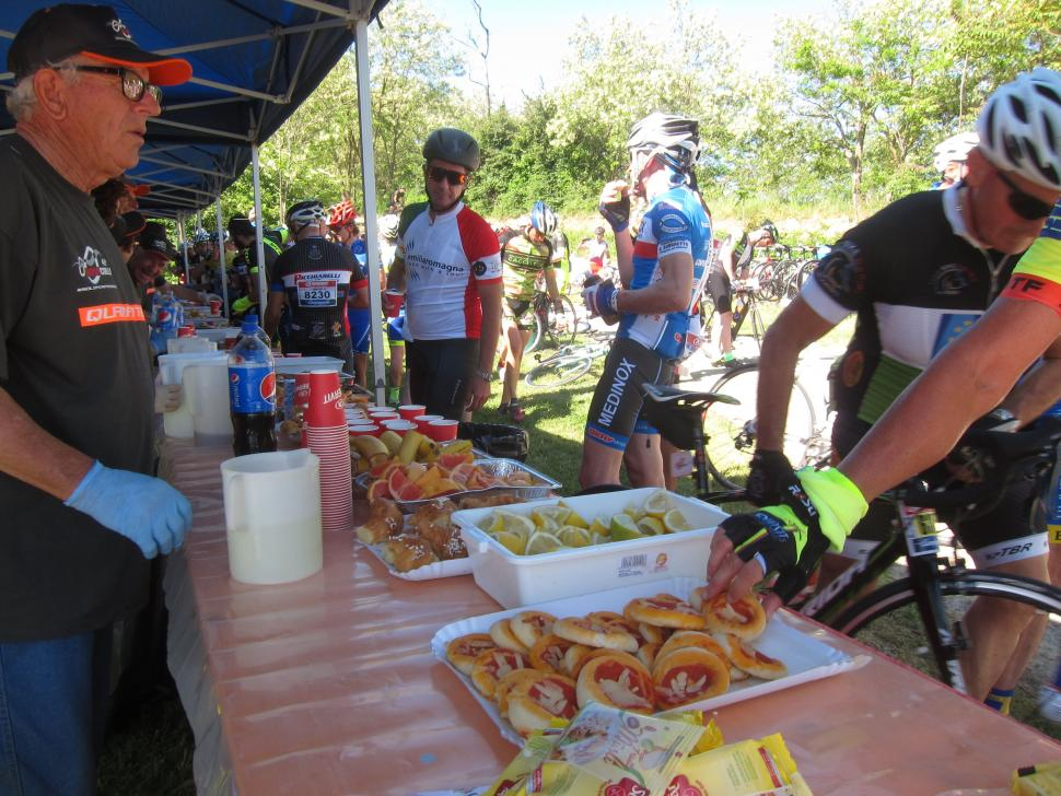 NoveColli - FeedStation.jpg