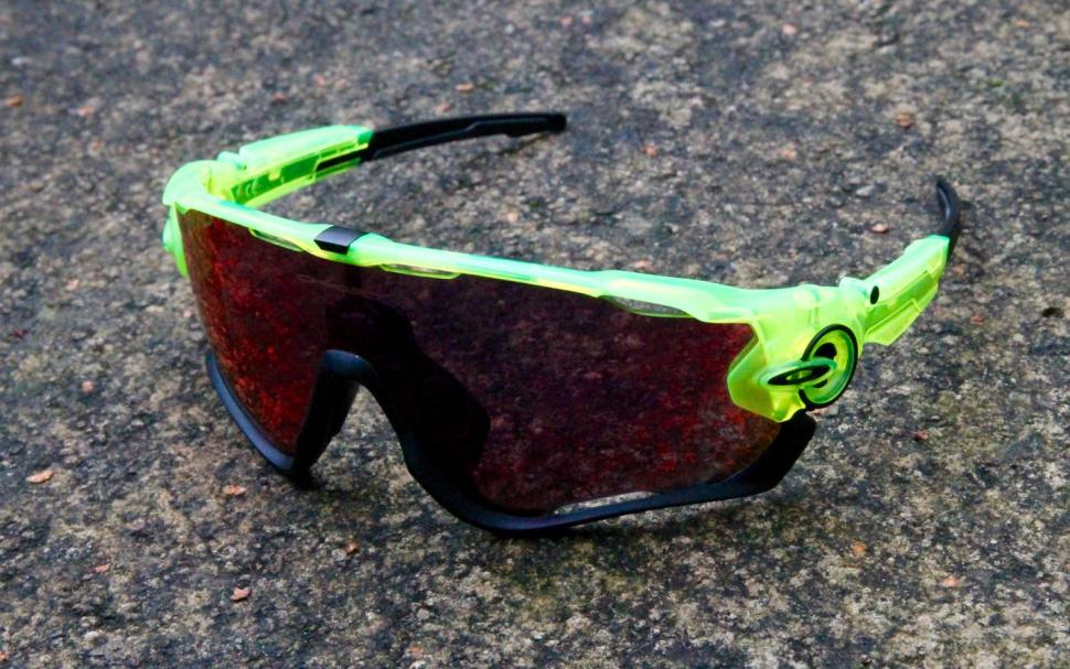 Review  Oakley Jawbreaker Prizm Road  2cca2ef3a6
