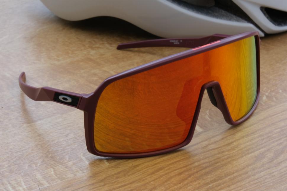 ba4546b0dfe6 Review  Oakley Sutro glasses