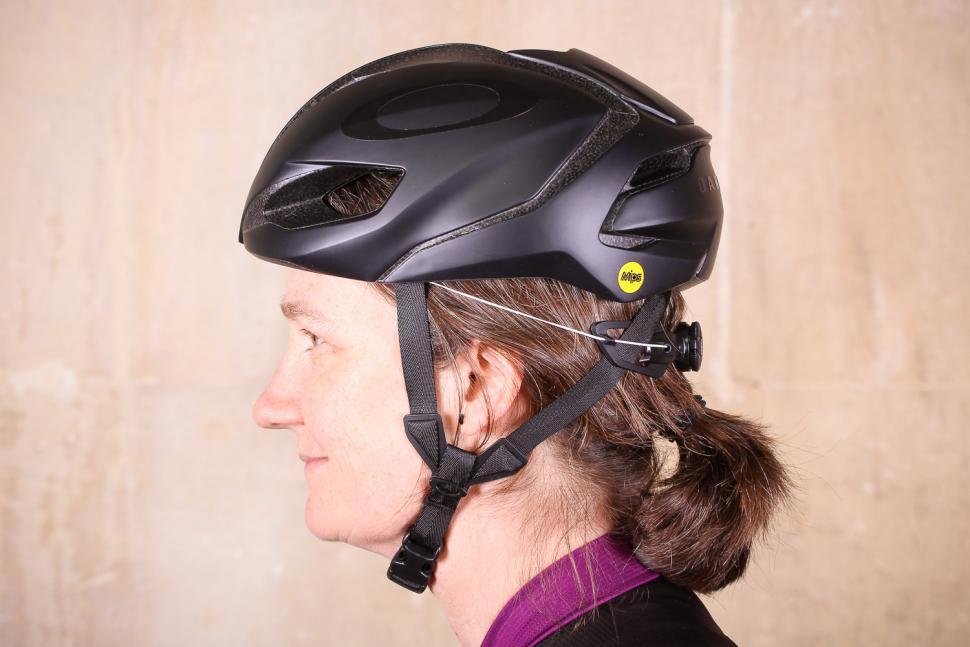 Review: Oakley ARO5 Helmet | road cc