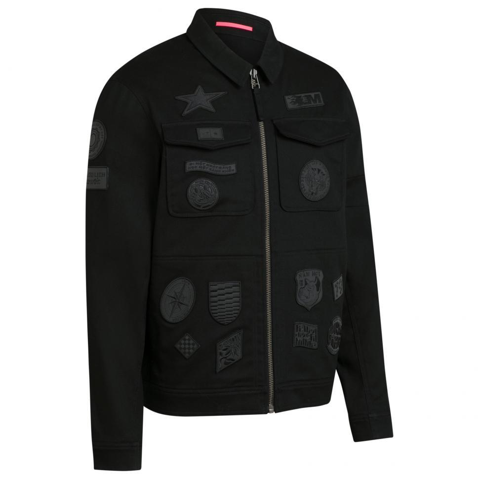 OKJ01XX_BLK_H2-19_Outskirts Technical Reflective Patch Jacket_Black_3.jpg