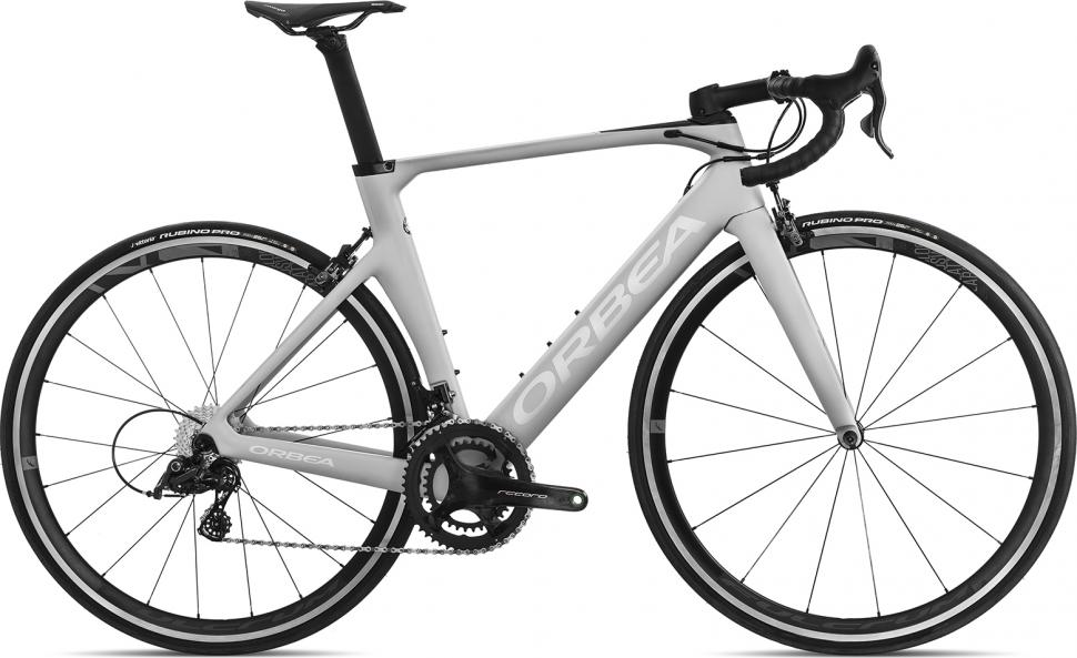 12 Of The Best Campagnolo Equipped Road Bikes Road Cc