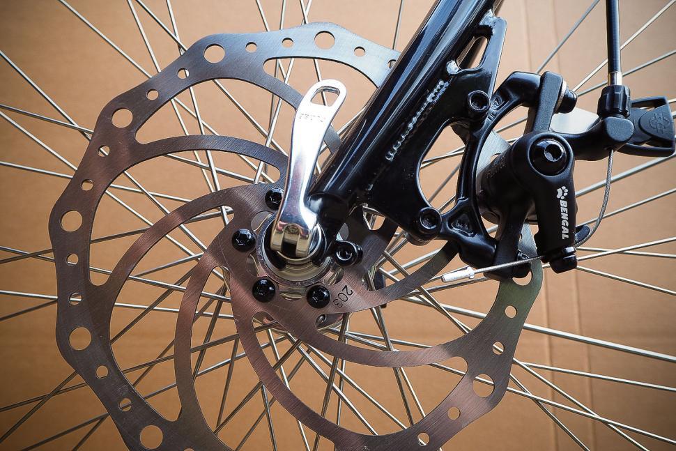 Orbit Velocity Tandem - front brake.jpg