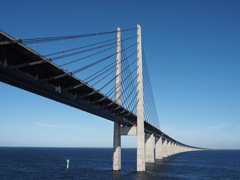 Oresund Bridge (licensed CC BY-SA 4.0 by Hajotthu on Wikimedia Commons).JPG
