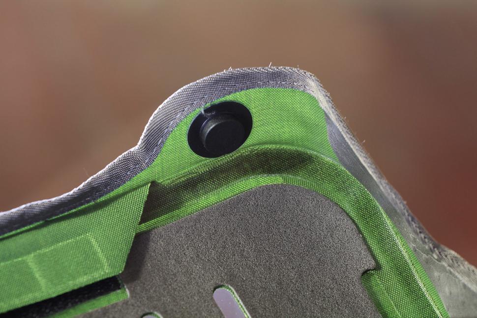 Orlieb Ultimate6 S Plus Waterproof Handlebar bag - magnet.jpg