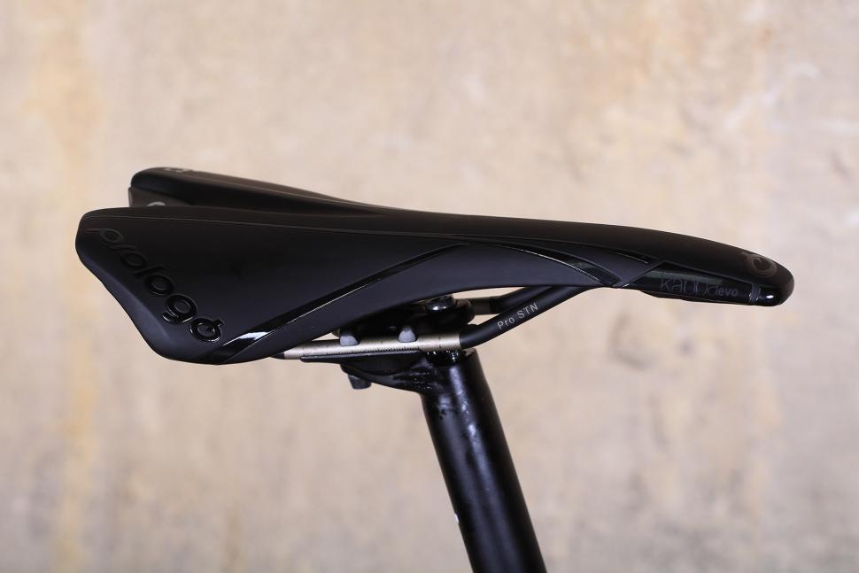 Orro Gold STC Disc - saddle.jpg