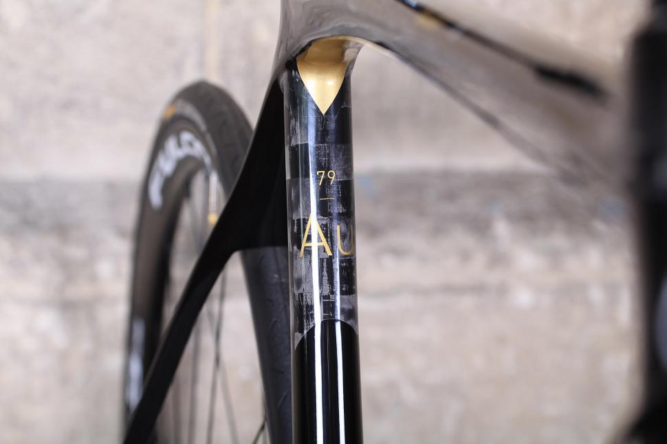 Orro Gold STC Disc - seat tube decal.jpg