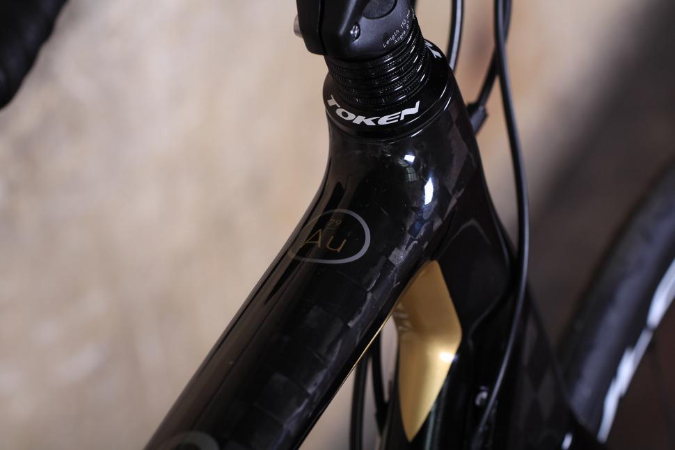 Orro Gold STC Disc - top tube detail.jpg