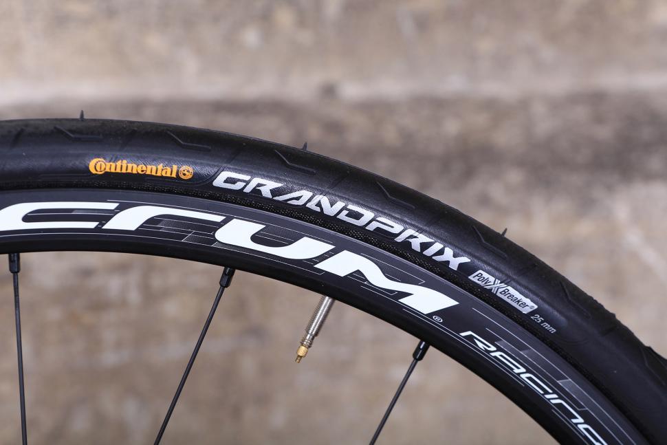 Orro Gold STC Disc - tyre.jpg