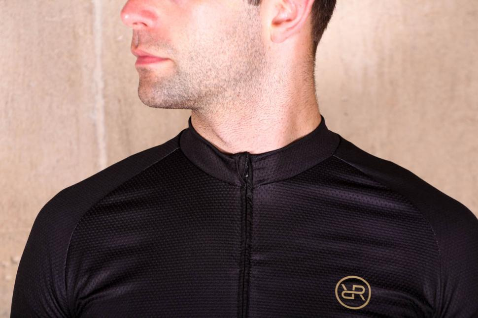 orro_bikes_cycling_jersey_-_collar.jpg