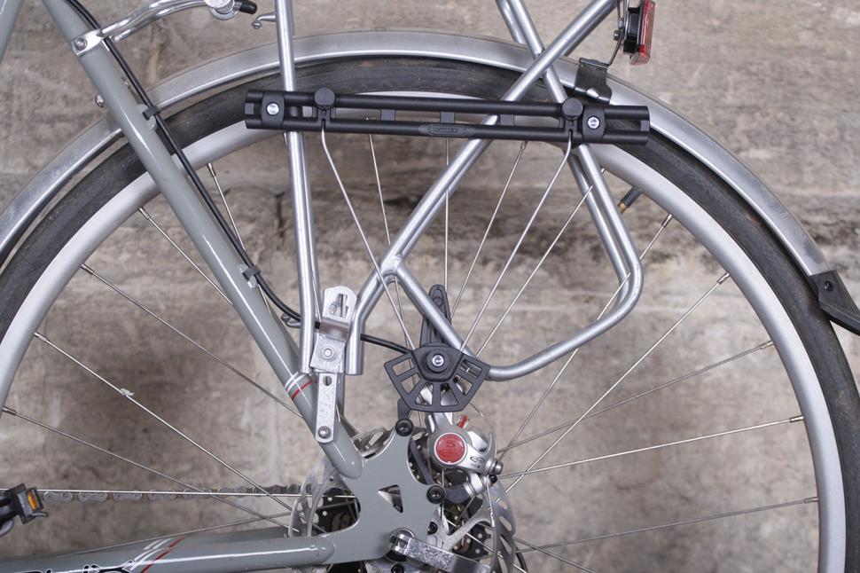 Ortlieb City Bike QL3 Pannier and Shoulderbag - fixing.jpg