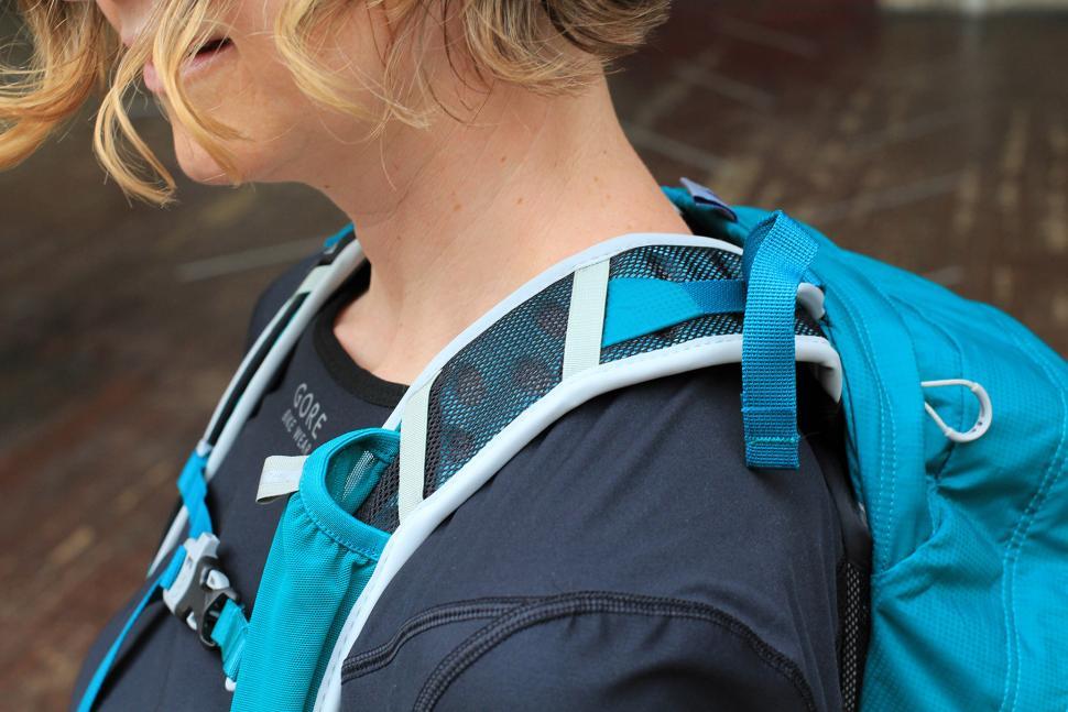 Osprey Tempest 20 Womens rucksack - strap.jpg