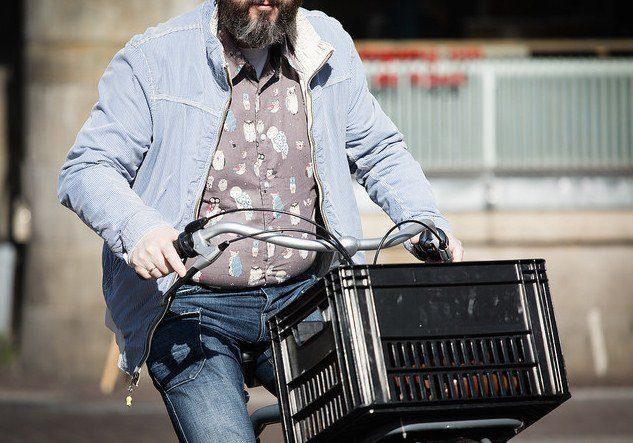 Overweight cyclist (c) Alex Proimos Flickr.jpg