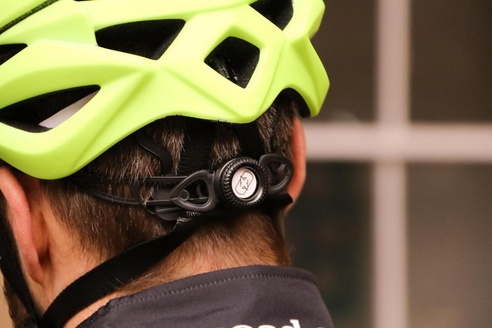 Oxford Raven helmet - tension.jpg