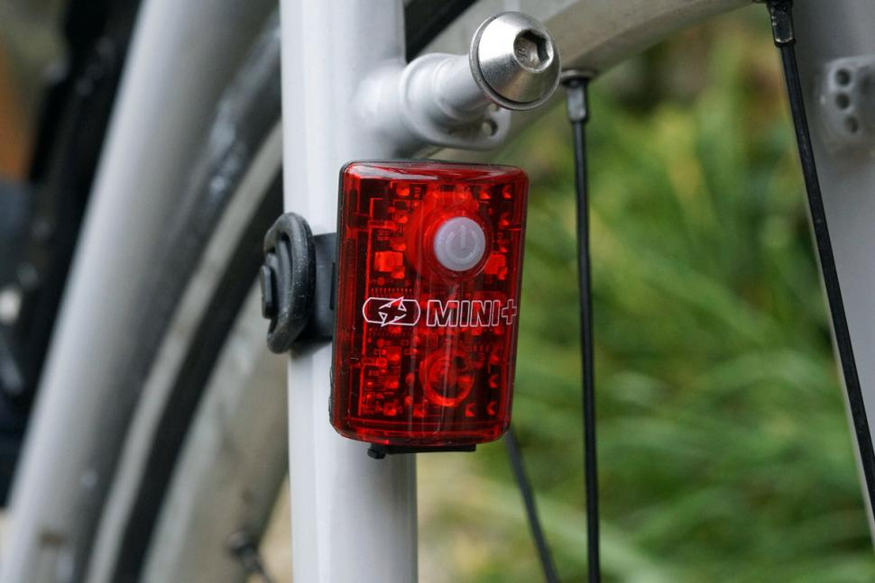 Oxford Ultratorch Mini USB Rear light - seatstay mounted.jpg