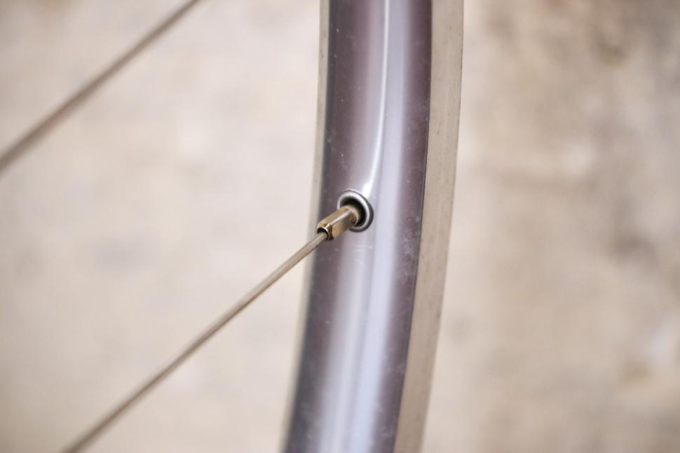 Pacenti Cycle Design Brevet Wheel Set - spoke nipple.jpg