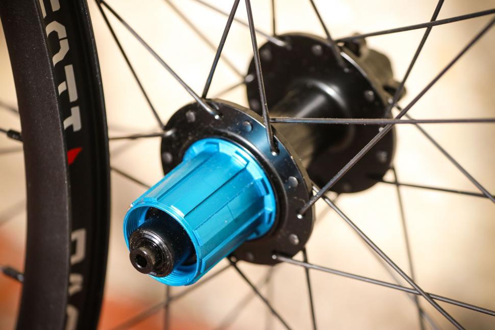 Pacenti Forza Disc Brake 650B wheelset - rear hub.jpg