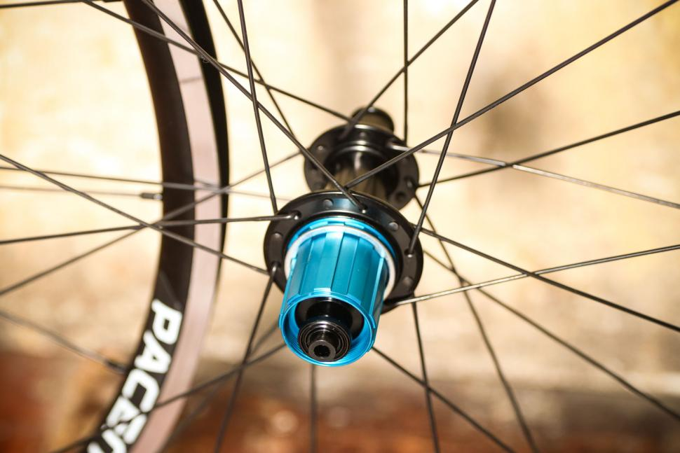Pacenti Forza Rim Brake 700C wheelset - rear hub.jpg