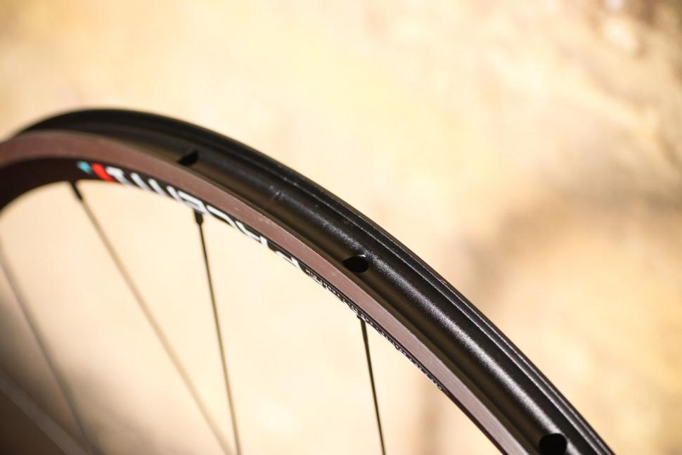 Review: Pacenti Forza Rim Brake 700C wheelset | road cc