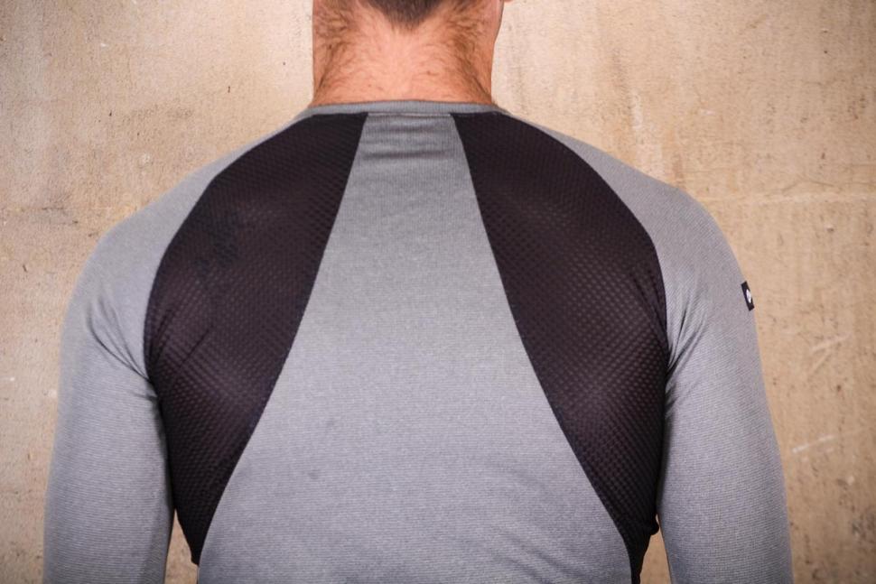 Pactimo High Grade Wool Base Layer - shoulders.jpg