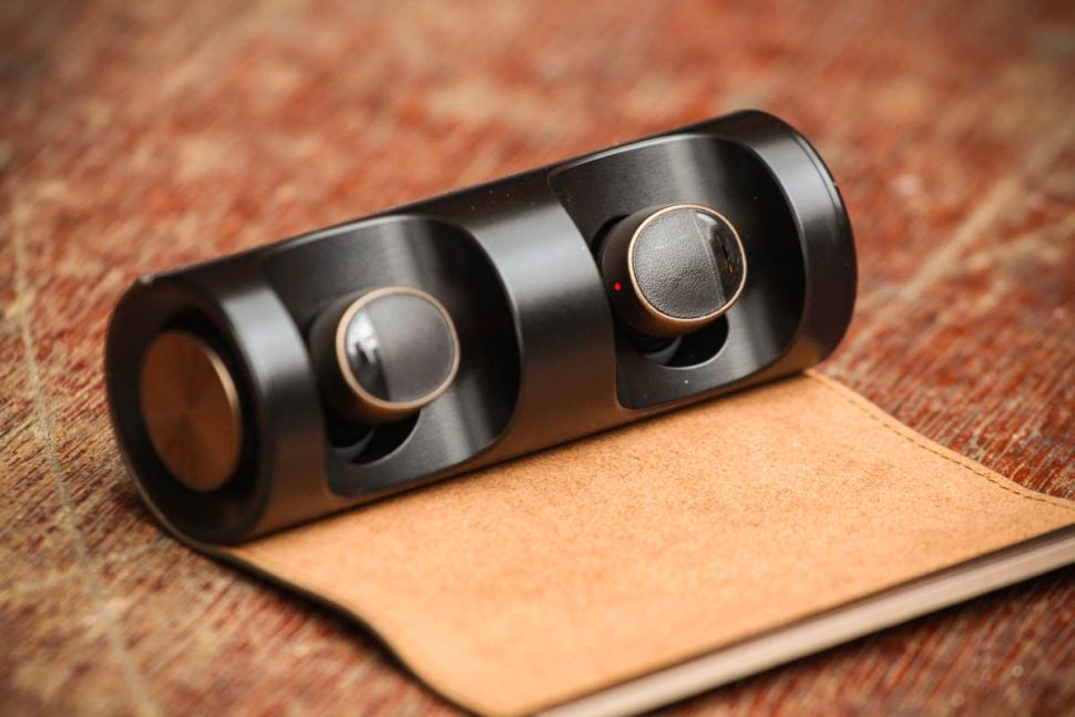 PaMu Scroll Bluetooth 5.0 Earphones - case open.jpg