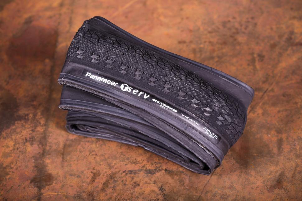 Panaracer T-Serv PT Folding tyre.jpg