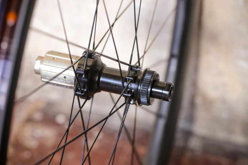 Parcours Grimpeur Disc wheelset - rear hub 2.jpg