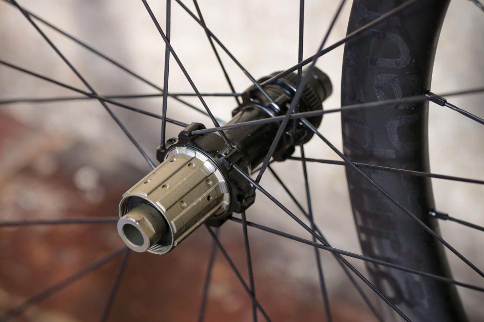 Parcours Grimpeur Disc wheelset - rear hub.jpg