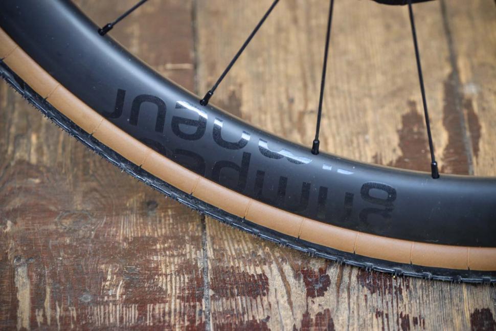 Parcours Grimpeur Disc wheelset - rim.jpg