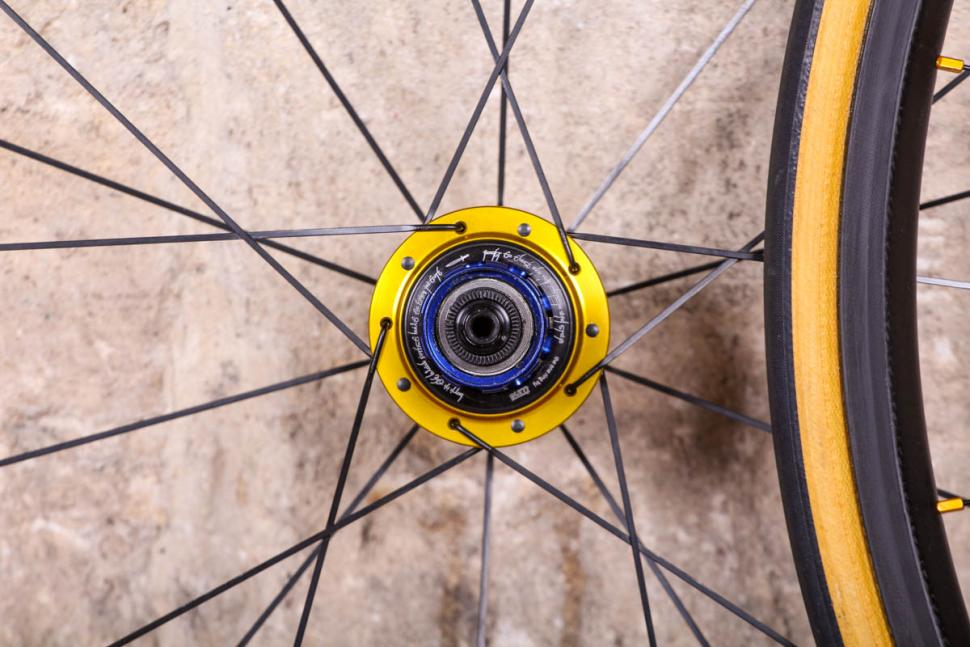parcours_with_ryanbuildswheels_-_rear_hub.jpg