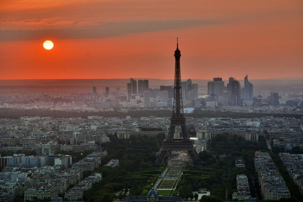 Paris to become '100 per cent cycling city' within next four years