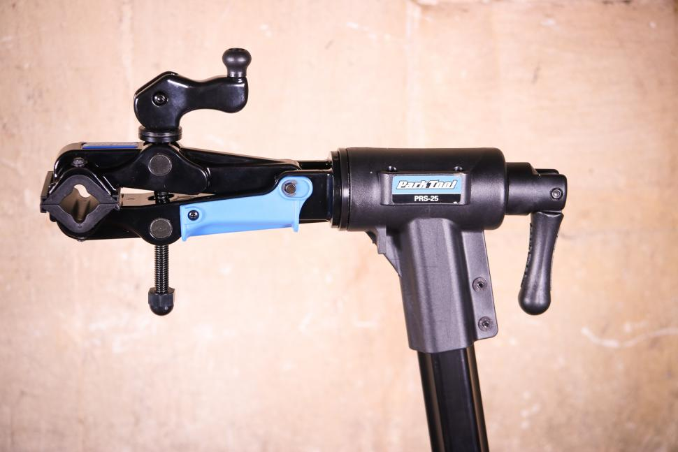 Park Tool PRS-25 Team Issue Repair stand - clamp head.jpg