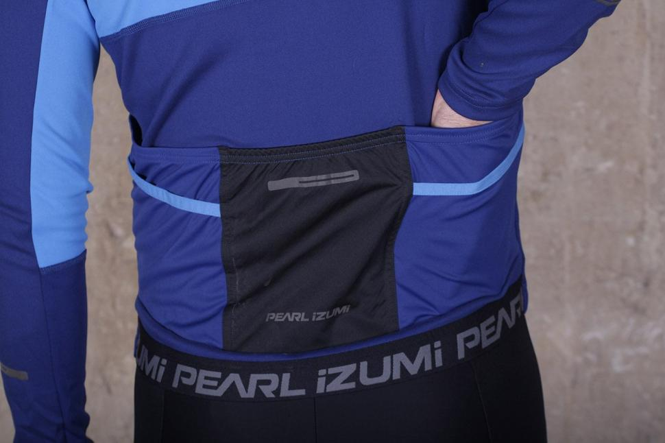 Pearl Izumi Elite Escape Thermal LS Jersey - pockets.jpg