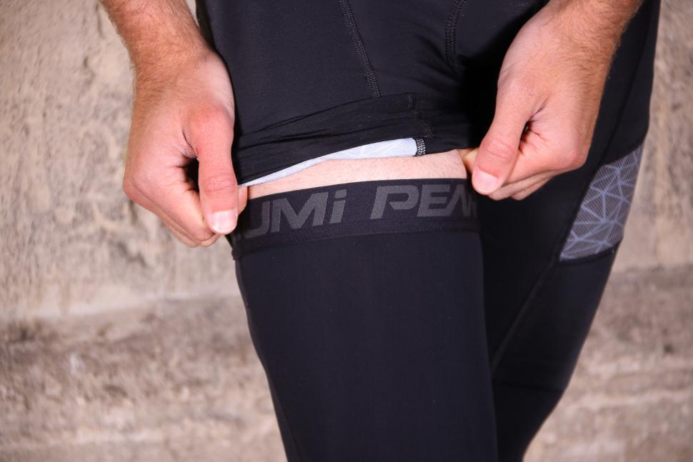 Pearl Izumi Elite Thermal Knee Warmers - cuff.jpg